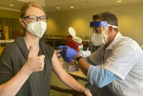 LSC teammates receives her COVID-19 vaccine